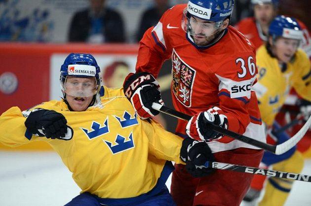 Nekompromisní souboj Petra Čáslavy se Švédem Gabrielem Landeskogem