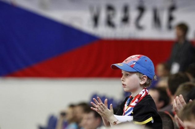 Fanoušek českého týmu v utkání s Finskem na Kajotbet Hockey Games.