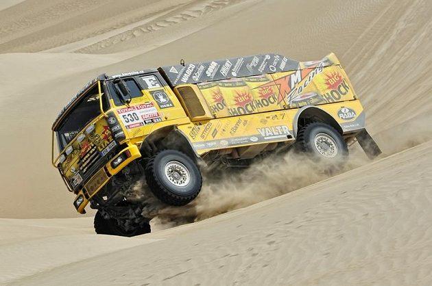 Jaroslav Valtr se strojem Liaz na trati Rallye Dakar 2012.
