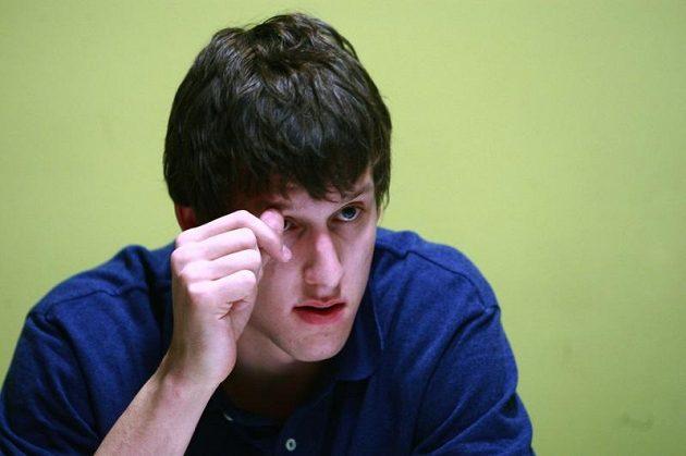 Basketbalista Jan Veselý mluví s novináři po příletu do Prahy z Washingtonu.