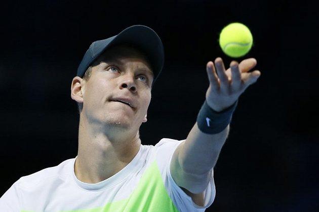 Tomáš Berdych během pátečního zápasu na Turnaji mistrů proti Novaku Djokovičovi.