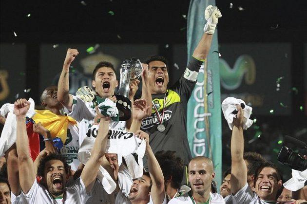 Fotbalisté Santosu se radují z titulu.