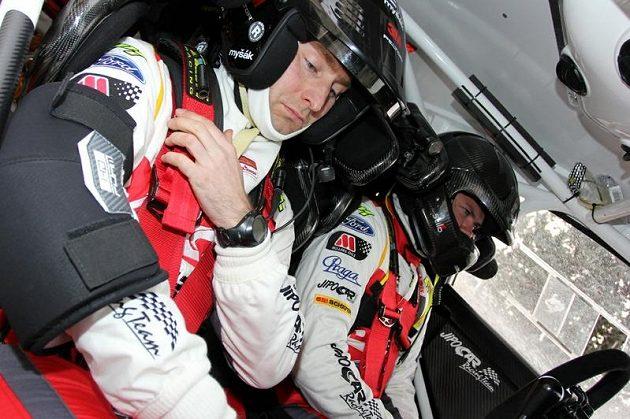 Martin Prokop a navigátor Michal Ernst (vlevo) před startem rychlostní zkoušky při Rallye Monte Carlo 2013.