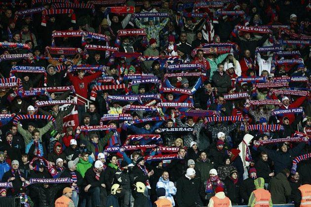Plzeňští fanoušci si zápas s Atlétikem Madrid náležitě užívali.