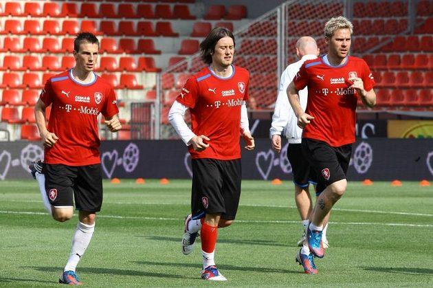 Tomáš Rosický, Vladimír Darida a Tomáš Hübschman na tréninku české reprezentace před utkáním s Maďarskem.