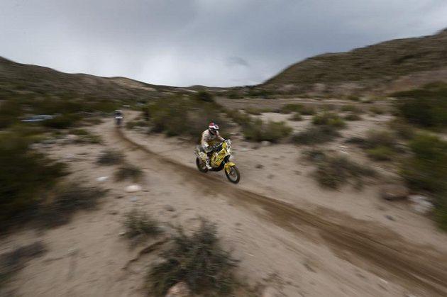 David Pabiška zápasí s tratí Rallye Dakar.