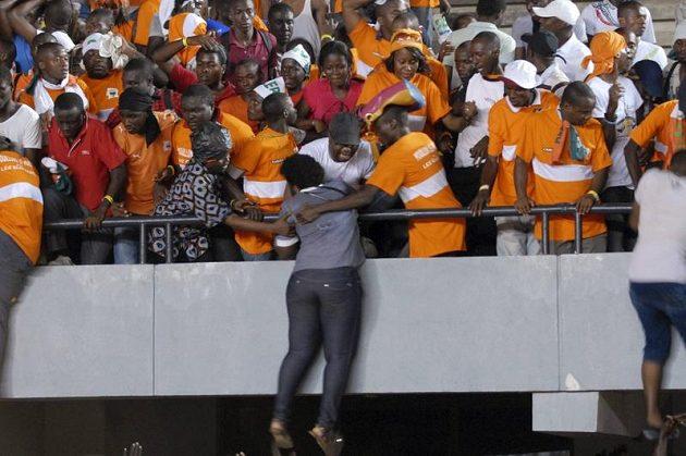 Fanoušci Pobřeží slonoviny se báli o své zdraví