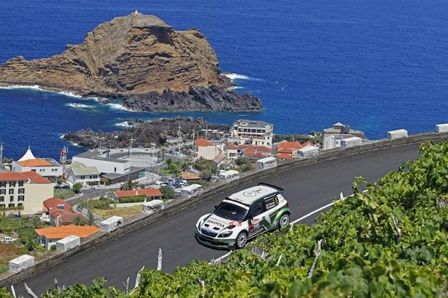 Juho Hänninen se Škodou Fabia S2000 při Rallye Madeira.