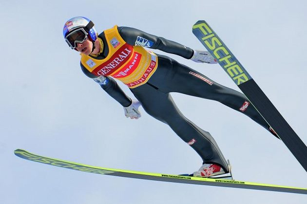 Rakouský skokan Gregor Schlierenzauer ovládl první kolo závodu v Garmisch-Partenkirchenu, vítězství se ale nedočkal.
