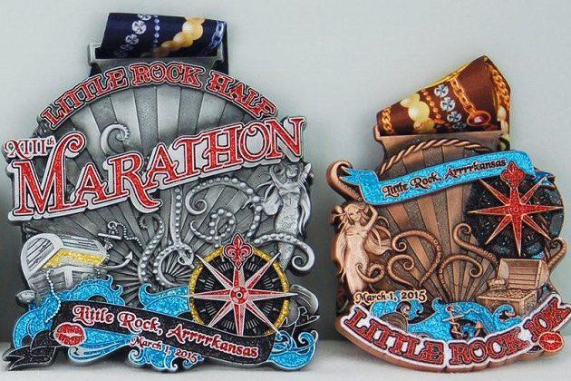 Little Rock Marathon, tam na památku dostanete obří medaili.