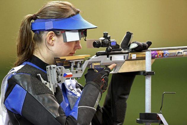 Adéla Sýkorová, bronzová ve střelbě z malorážky na 3x20 ran.