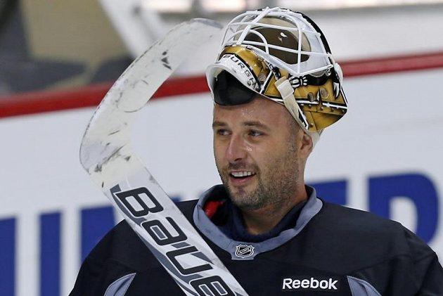 Spokojenost pod maskou - Tomáš Vokoun na tréninku Pittsburgh Penguins.