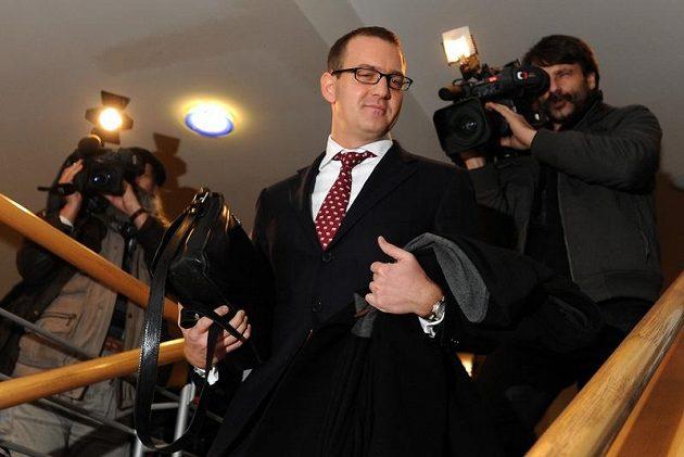 Daniel Křetínský odchází po jednání Disciplinární komice FAČR.