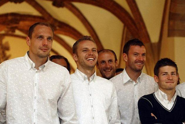 Čeští fotbaloví reprezentanti při přijetí na radnici ve Vratislavi