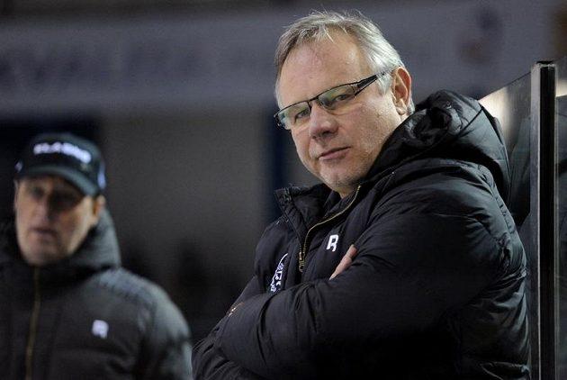 Kladenský trenér Zdeněk Vojta (vpravo) při utkání s Kometou Brno.