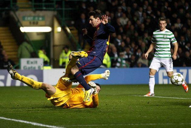 Lionel Messi to měl proti skotské obraně těžké.
