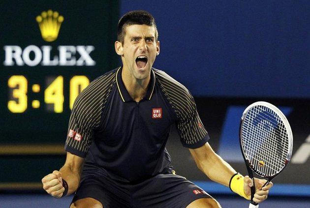 Je dobojováno! Novak Djokovič potřetí za sebou vyhrává Australian Open.