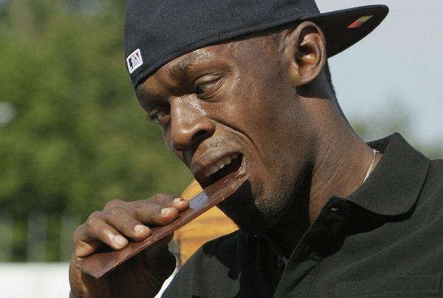Slavný jamajský sprinter Usain Bolt na Čokoládové tretře mezi dětmi v Ostravě