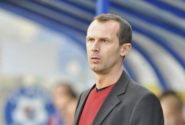 Radek Látal při trenérském debutu na lavičce Baníku Ostrava v odvetě čtvrtfinále Poháru České pošty proti Sigmě Olomouc.