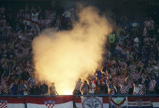 Chorvatští fanoušci bujaře oslavovali gól svého týmu proti Irsku