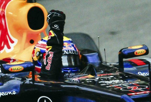 Pilot stáje Red Bull Mark Webber po vítězství na Velké ceně Monaka