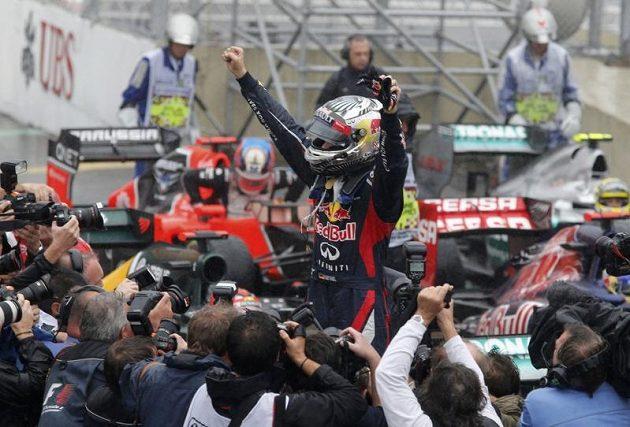 Sebastian Vettel se po závodě v Brazílii radoval z obhajoby mistrovského titulu.