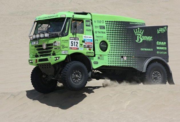 Tomáš Vrátný s tatrou na trati Rallye Dakar.