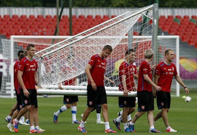 Čeští fotbalisté na tréninku po debaklu s Ruskem