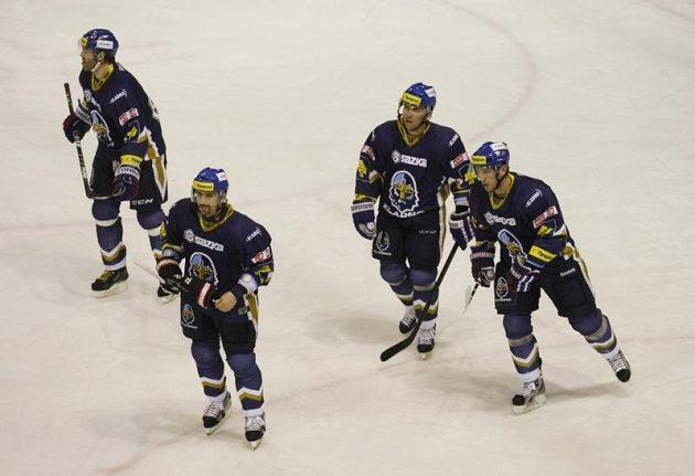 Hokejisté Kladna po výhře nad Vítkovicemi - zleva největší hvězdy Jaromír Jágr a Tomáš Plekanec - archivní snímek ze sezóny 2012/2013.