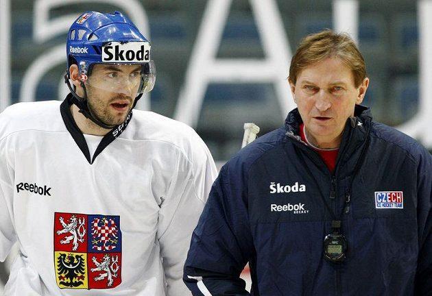 Petr Čáslava (vlevo) a trenér Hadamczik na tréninku hokejové reprezentace