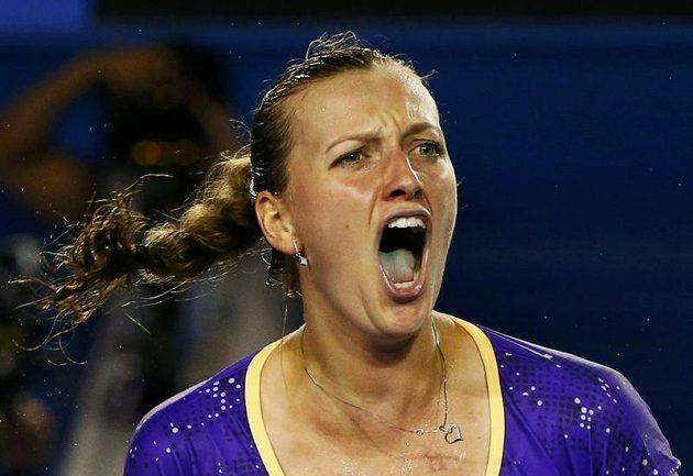 Radostný pokřik Petry Kvitové, která ve druhém kole Australian Open sehrála vyrovnanou bitvu s Britkou Laurou Robsonovou.