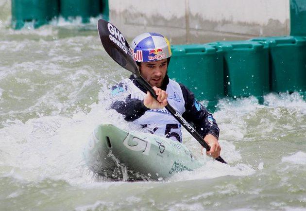 Vodní slalomář Vavřinec Hradilek při kvalifikační jízdě na ME ve Vídni.