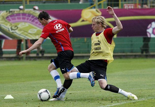 František Rajtoral a Vladimír Darida na tréninku českého týmu po zápase s Řeckem