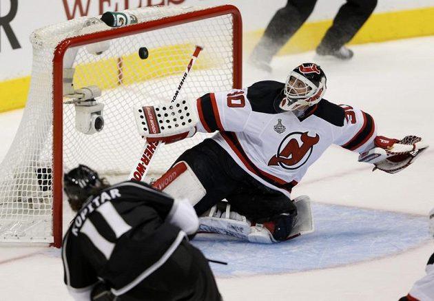 Útočník Kings Anže Kopitar patřil opět k nejlepším hráčům na ledě.