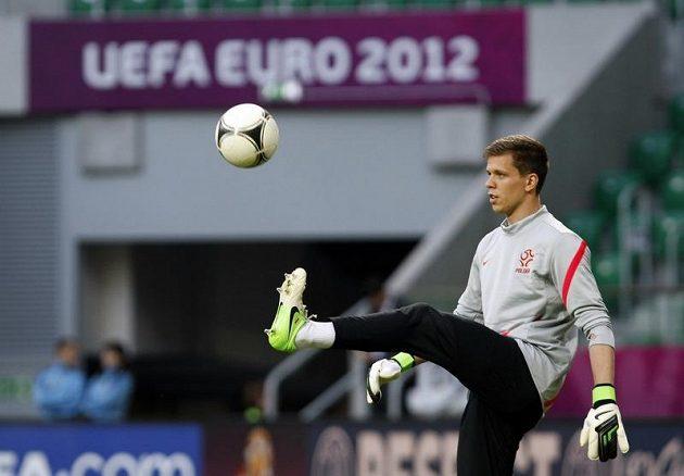 Brankář polské fotbalové reprezentace Wojciech Szczęsny na tréninku před zápasem proti Česku