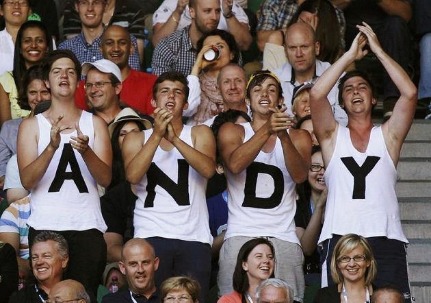 Andy Murray měl v hledišti hodně příznivců.