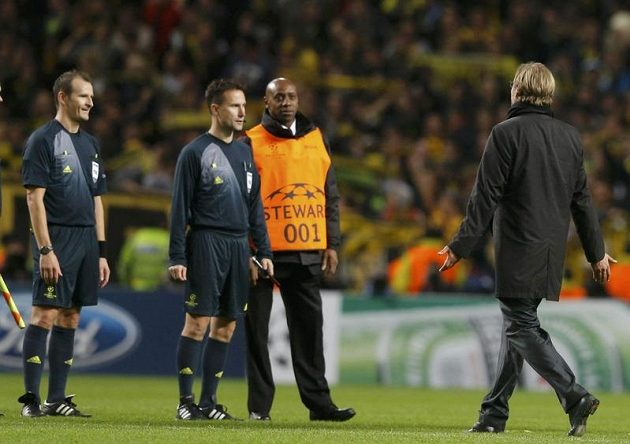 Proti pokutovému kopu protestoval po zápase i trenér Borussie Dortmund Jurgen Klopp.