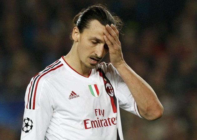 Zklamaný útočník AC Milán Zlatan Ibrahimovic