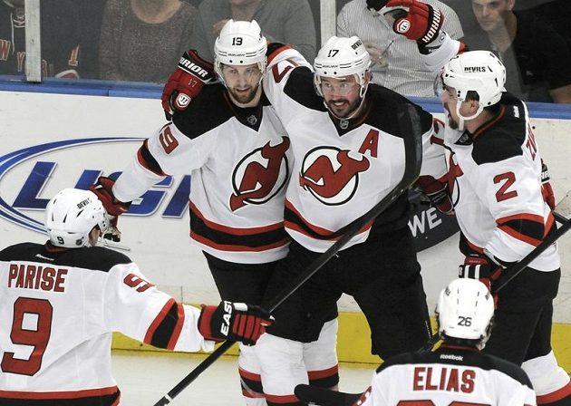 Ďáblové se radují z vítězství v Madison Square Garden.