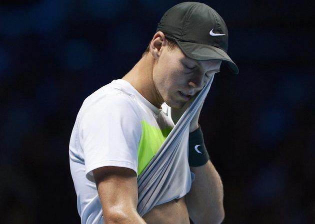 Zejména ve druhé sadě Francouz Jo-Wilfried Tsonga českou jedničku Tomáše Berdycha zle potrápil
