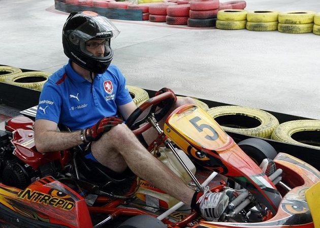Petr Čech za volantem motokáry