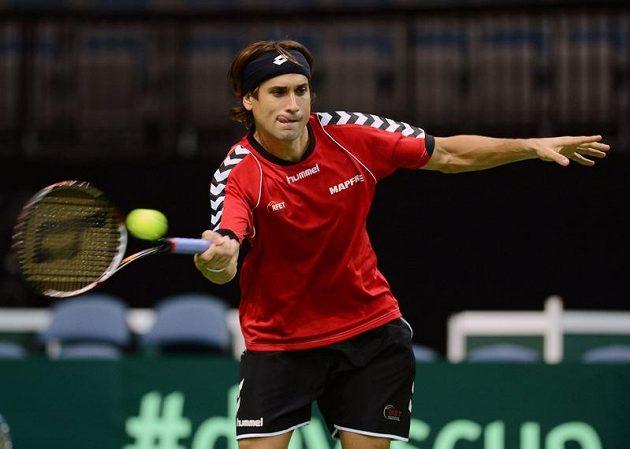 Španělský tenista David Ferrer při tréninku v pražské O2 areně.