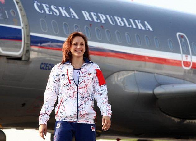 Sportovní gymnastka Kristýna Pálešová při odletu na olympiádu v Londýně.
