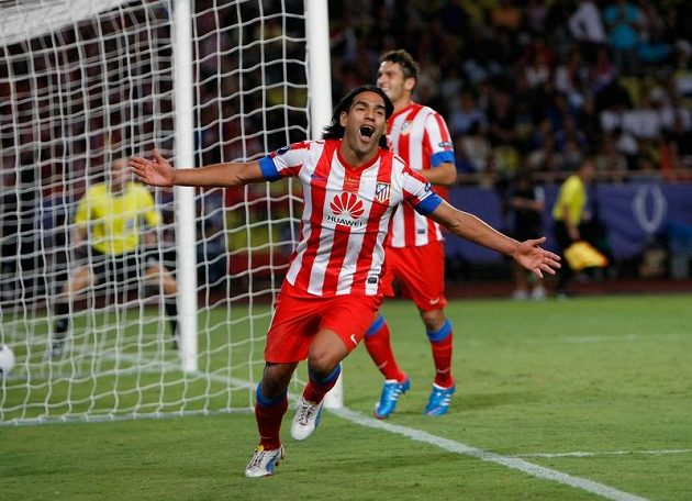 Falcao má důvod k radosti, proti Chelsea právě uzavřel v Superpoháru hattrick.