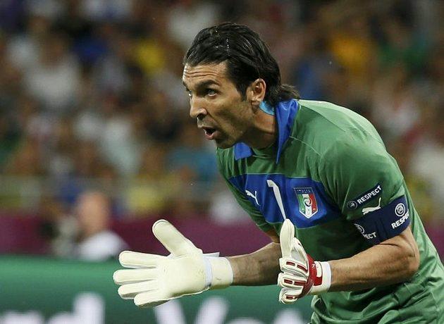 Italský brankář Gianluigi Buffon