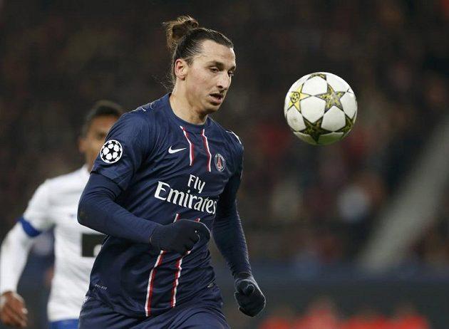 Útočník Paris St. Germain Zlatan Ibrahimovic v utkání proti Portu