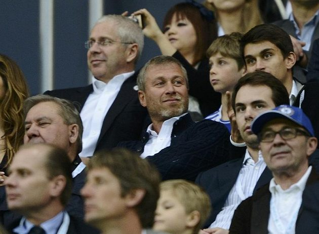 Snahu svého týmu sledoval z hlediště Allian Areny i majitel Chelsea, ruský miliardář Roman Abramovič