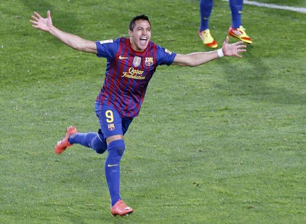 Alexis Sánchez z Barcelony slaví vyrovnávací branku.