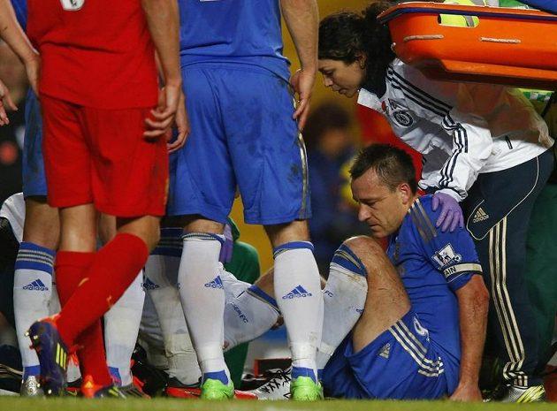 John Terry zápas s Liverpoolem nedohrál.