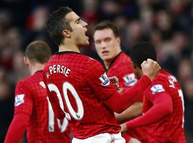 Robin van Persie z Manchesteru United slaví svůj gól proti Sunderlandu.